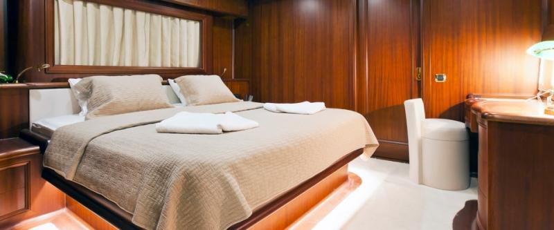 Regina-motor-sailer-yacht